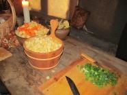 Rotgrønsaker, urter, korn og løk var i dagleg kosten til vikingane.