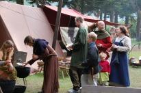 Under marknadane lager vi ofte felles måltid for vikingane om kvelden.
