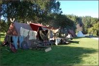 På marknadene treff ein folk fra andre vikinglag.