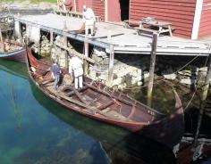 Bjarka har sitt eige årshjul. Vedlikehald om vinteren. Utrustning om våren, og på tokt om sumaren.
